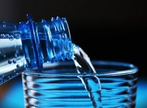 Alcuni numeri sulle bottiglie di plastica PET