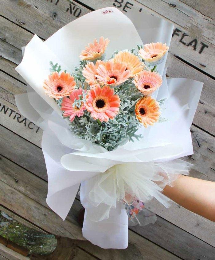 Sweet Daisies Bouquet | Hand Bouquet Flower | Eska Creative Gifting