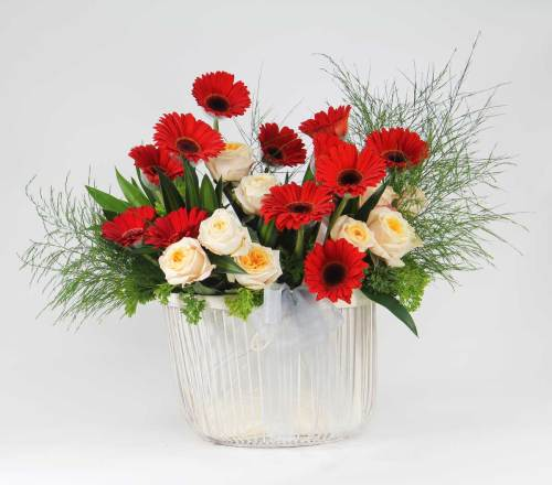 Beauty In Red | Beautiful Flower Box and Baskets | Eska Creative Gifting