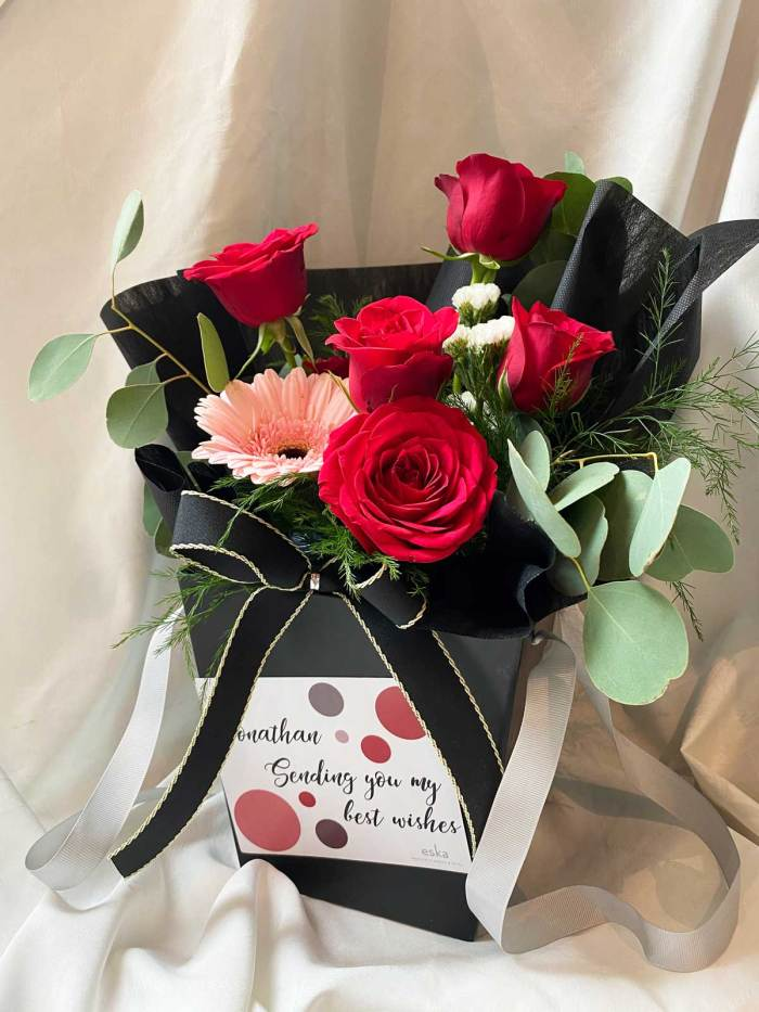 Passionate Roses | Flower Box and Baskets | Eska Creative Gifting