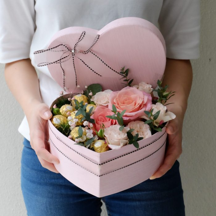 Ferero Sweet Valentine Roses in Heart Shape Box | Valentines Special | Eska Creative Gifting
