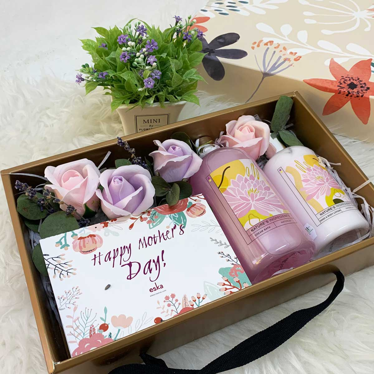 Pamper Your Mom Giftbox | Mother's Day Gifts | Eska Creative Gifting