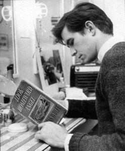 anthony-perkins-kitap-okurken