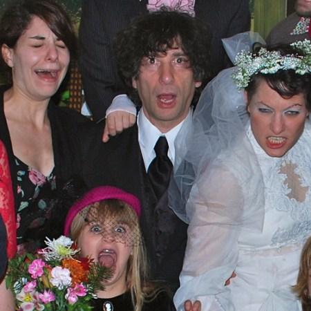 Neil-Gaiman-ve-Amanda-Palmer-evlilik-gunu-2011-2