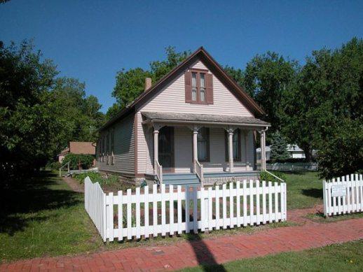 Willa-Cathers-childhood-home-Red-Cloud-Nebraska