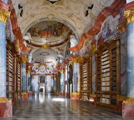 Altenburg-Manastiri-Kutuphanesi-Altenburg-Avusturya.jpg