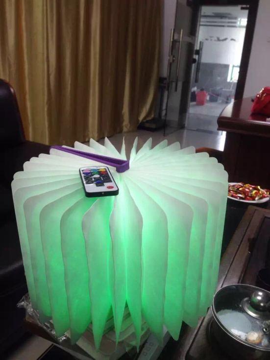 360-derece-donebilen-led-kitap-lambasi-4