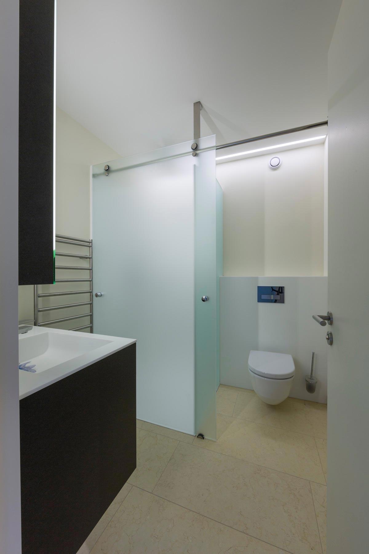 ES Man 5192 sb vtc 20 05 023 - Lilo 1 Une salle de bain coulissante