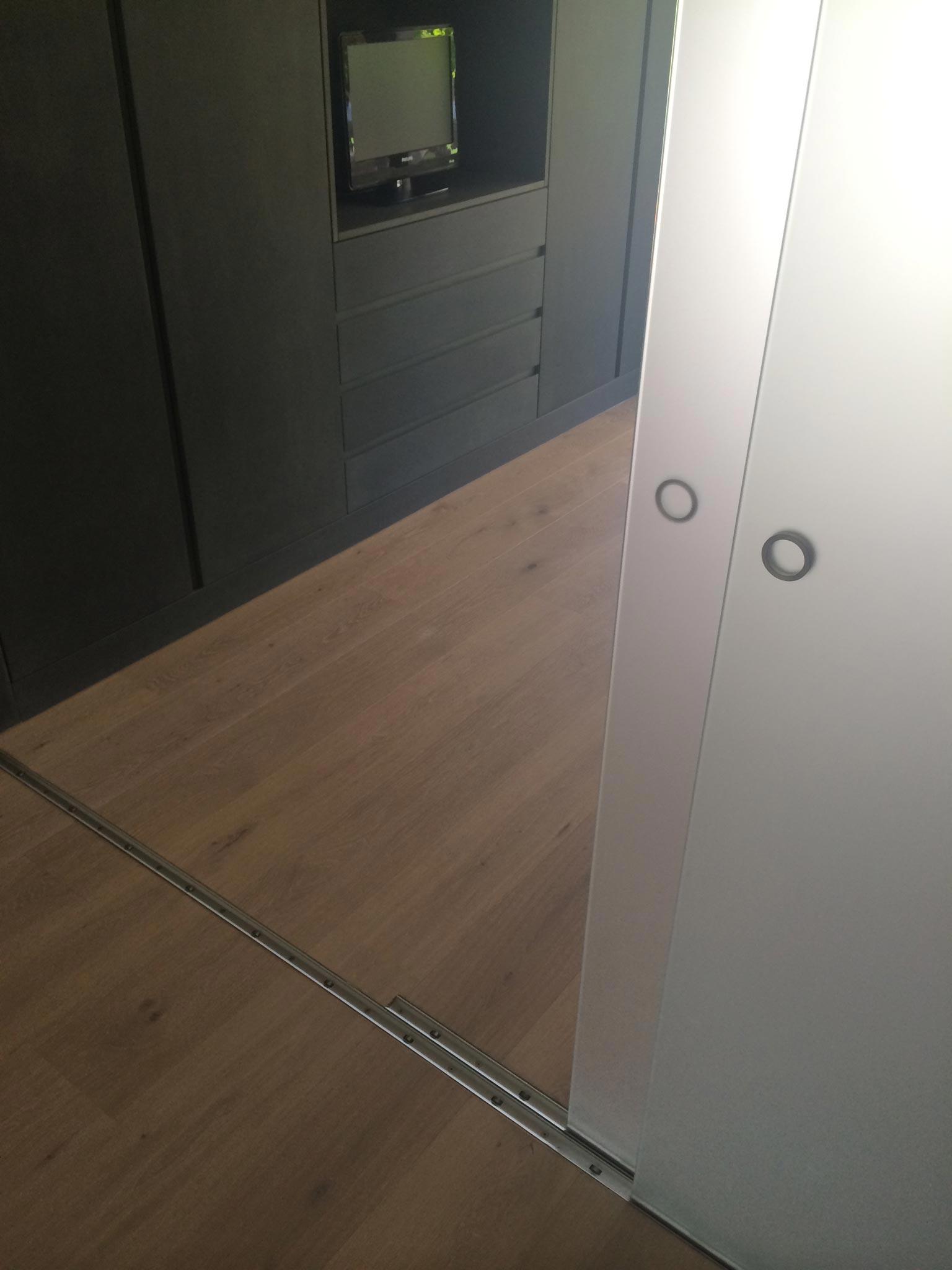 ES Bru 3680 chambre vtc 20 05 015 - Une pièce modulable à Fully (Bj)