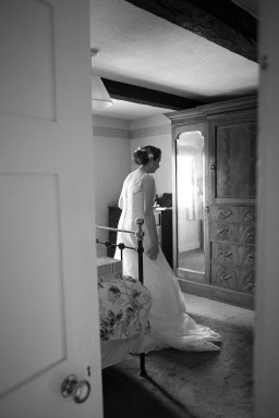 Somerford-hall-book-themed-natural-wedding-22