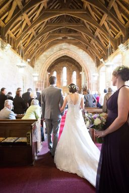 Somerford-hall-book-themed-natural-wedding-37