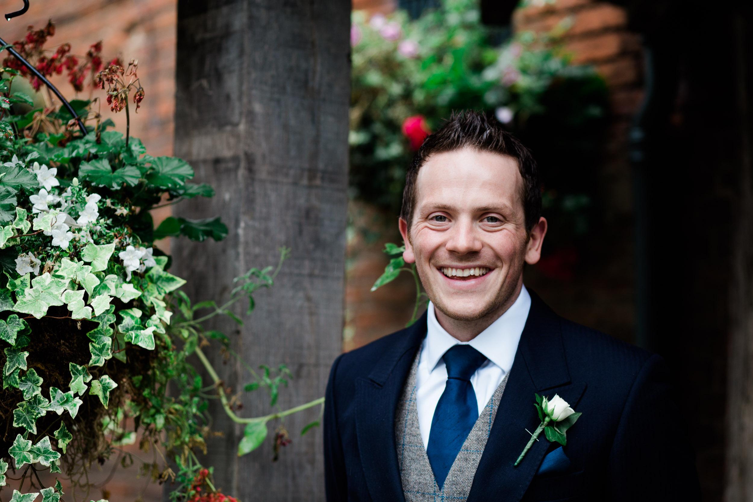 chic-rustic-home-farm-wedding-35