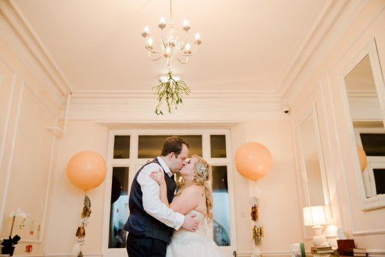 Gatsby_Style_Winter_Wedding_at_Eastington_Park179