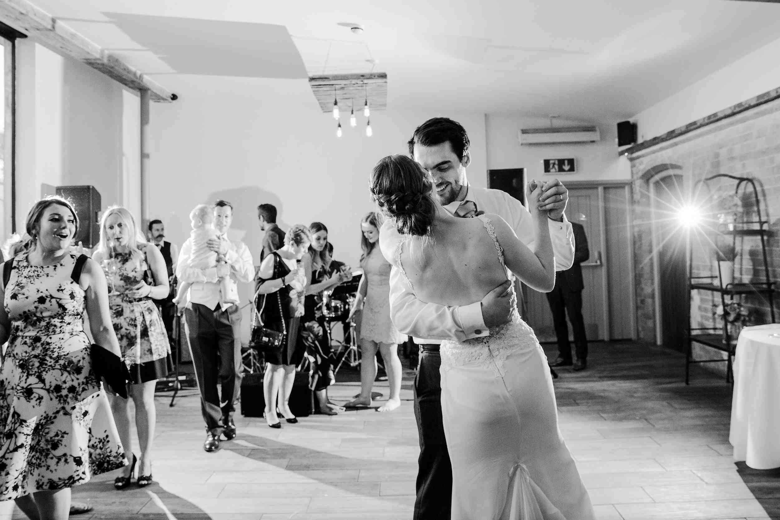 Modern_Stylish_Wedding_at_Swallows_Nest_Barn1304