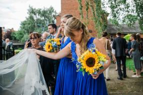 Yellow_And_Blue_49Rustic_Barn_Wedding-1
