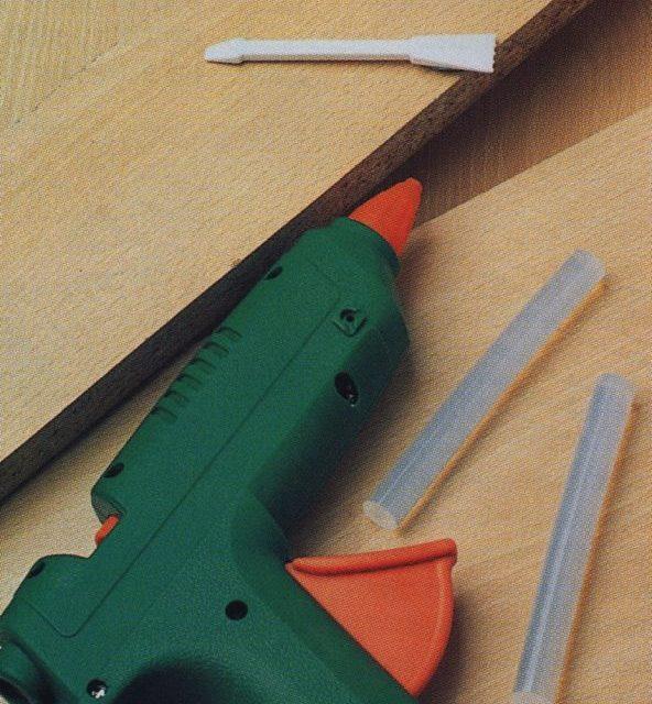 Como hacer reparaciones con cola termofusible