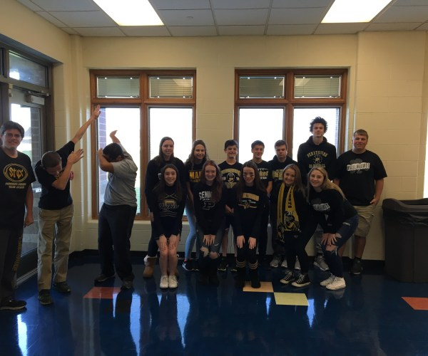 Freshmen Bryce Ruddock, Henry Magoun, Ibrahim Mohammed, Alicia Rodriguez, Cameron Prindle, Emily Biggie, Rachel Garmatter, Jared Carr, Michael Lindow, Garret Pruss, Jackson Sizemore, Darren McGuire, Bella Salloukh, Hallam Kaye and Isabel Whitmore show off how proud they are to be yellow jackets!