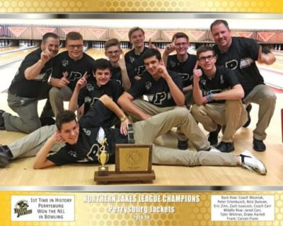 Photo of the Perrysburg bowling team and coaches