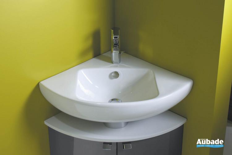lavabo d angle blanc sur meuble bas