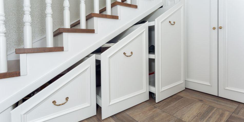 penderie sous escalier