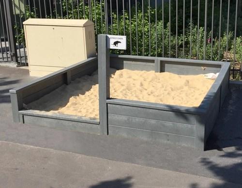 Espace de propreté pour chien en plastique 100% recyclé - ESPACE CHIEN ESPACE URBAIN