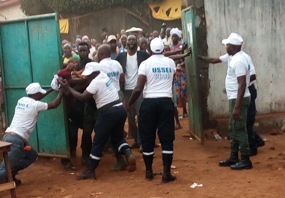 Fermeture de bureaux de vote incidents au centre simbaya