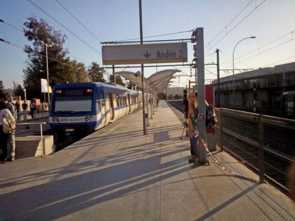 Cubierta tensada Metro Estación Limache