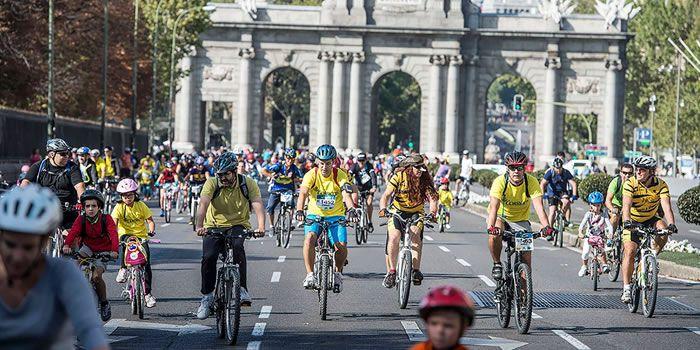 Resultado de imagen de fiesta de la bicicleta madrid 2016