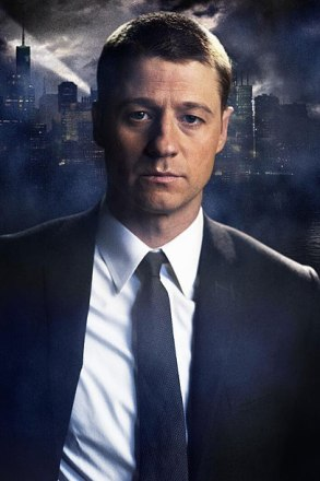 Ben McKenzie como James Gordon