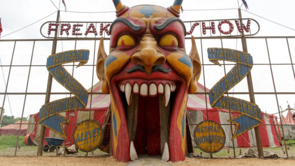 zap-american-horror-story-freak-show-season-ph-001