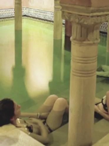 Baños árabes para grupos de despedidas de solteras en Córdoba