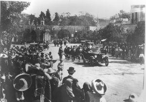 Acueducto y Calle Nacional (Av. Francisco I. Madero Oriente), septiembre de 1910