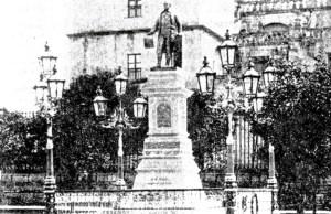 Segundo monumento a Morelos, ubicado en el Jardín Morelos, al poniente de Catedral.