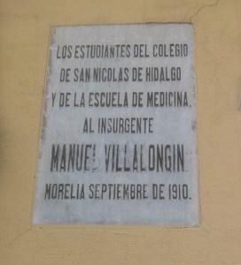Placa alusiva a Manuel Villalongín.