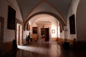 Pasillo de las oficinas actuales del templo