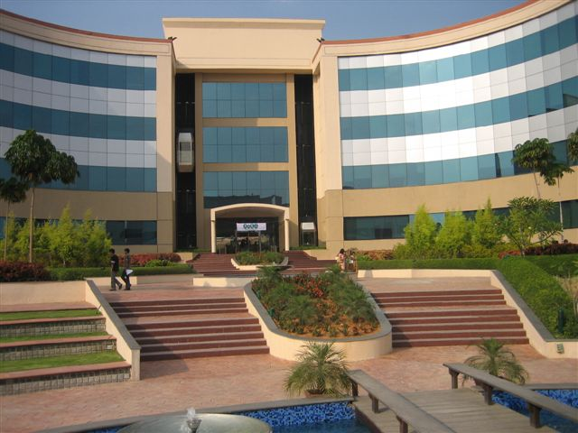 A walk around Infosys' Hyderabad campus | Applied Abstractions