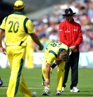 Brett Lee went off the field with a foot problem, England v Australia, 4th ODI, Chester-le-Street, July 7, 2012