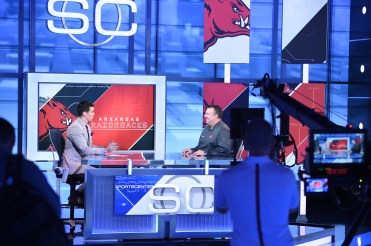 University of Arkansas coach Bret Bielema (right) chats with anchor Kevin Connors on SportsCenter. (Joe Faraoni/ESPN Images)