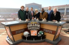 (L to R) Ryan Riess, Joey Chestnuts, Chris Fowler, Samantha Ponder, Desmond Howard, Kirk Herbstreit and Lee Corso on the set of CGD. (Allen Kee/ESPN Images)
