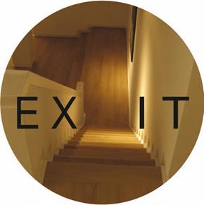 ELISA LEONINI, EXIT 2011 installazione anamorfica site specific, carta adesiva, specchio dimensione ambiente