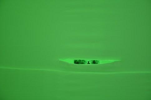"""Paola Urbano, """"Dietro la bandiera ci sono gli uomini"""", installazione con tessuto, luci led e immagini storiche. Contemporary Lighting Context 2011"""