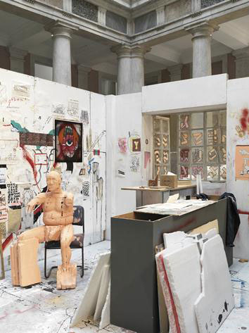 Urs Fischer, Madame Fisscher, 1999-2000. Hauser & Wirth Collection, Switzerland. Courtesy of the artist; Galerie Eva Presenhuber, Zurich; and Palazzo Grassi, Venice. Photo: Stefan Altenburger