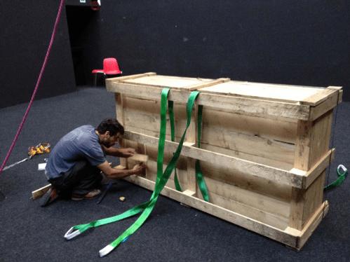 DC, Questa sosta non è un orto, performance di Mario Tomè, 2012, allestimento nel Cubo