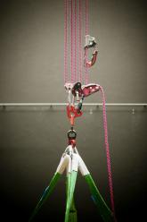 DC, Questa sosta non è un orto, performance di Mario Tomè, 2012. Sistema di ancoraggio. Foto Giacomo De Donà