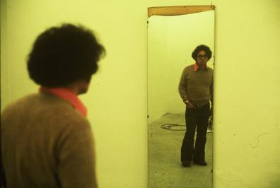 Tako Ito (Takaito)limura, Backstage of Self Identity 1.2.3. 1974. Photo: Gianni Melotti. Courtesy: la Biennale di Venezia