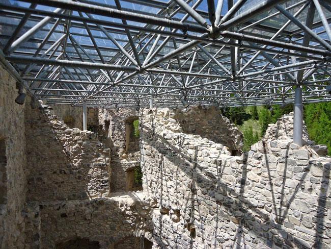 DC NEXT, Castello di Andraz, sezuione cava, assai contemporanea. Foto: Giacomo de Donà