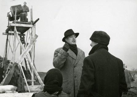 Vittorio De Sica sul set di Miracolo a Milano