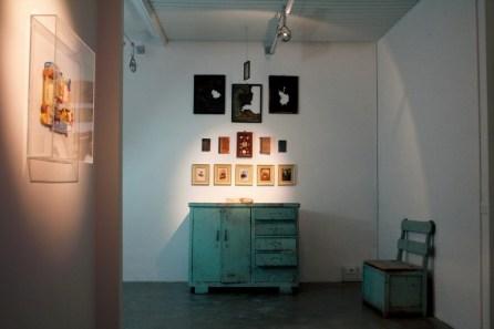 Christian Fogarolli, holy burrow, 2013, installazione in galleria, Arte Boccanera, Trento, Foto Andrea Turso