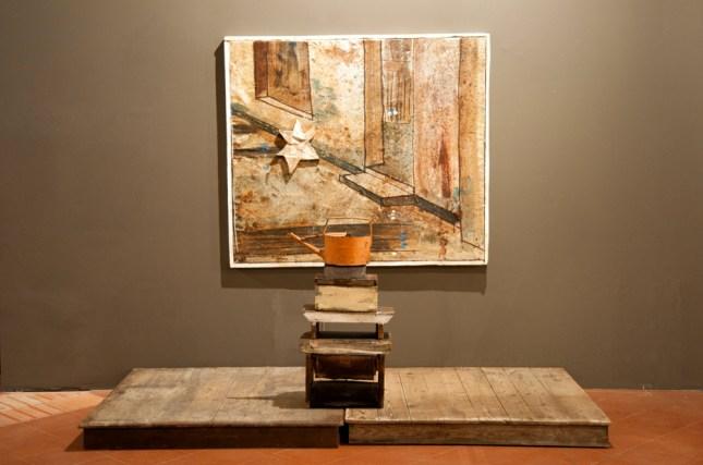 Mirco Marchelli, Giardino nascosto, 2011, installazione con sgabelli, cm 146 x 165 x 8.5 + sgabelli, Foto Giovanni Badioni