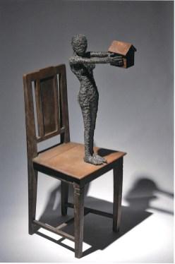 Fabrizio Pozzoli, Nostalgic bewilderment, 2012, filo di ferro, legno, ferro ossidato, 114x42x57 cm